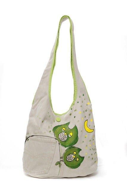 geanta-umar-bufnite-verzi-pictate-pe-fond-crem-stil-amuzant-jucaus449