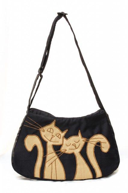 geanta-umar-pisici-crem-aplicate-pe-fond-negru-stil-romantic-jucaus15