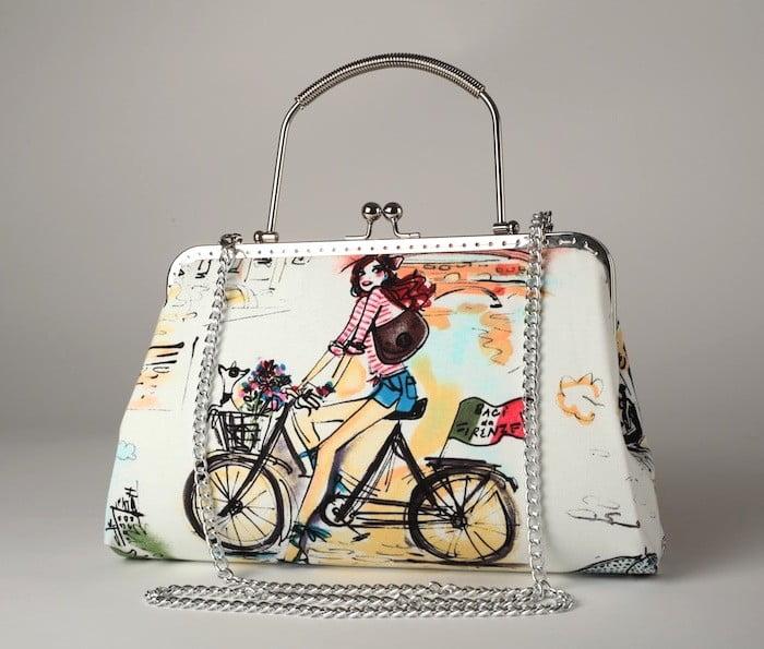 poseta-clutch-cu-imprimeu-biciclista-retro-in-stil-comics370