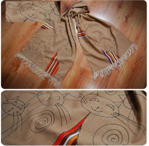 Esarfa pisici pictata manual pe textil bej