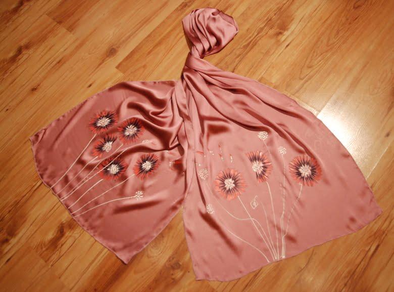 esarfa flori crizanteme pictata manual pe textil  lila