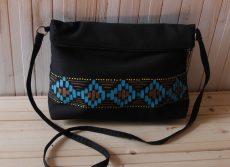 geanta etno pictata manual negru albastru