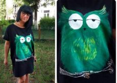 rochie cu bufnita verde pictata manual pe tricot negru