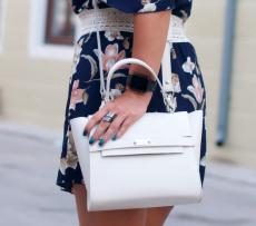 geanta trapez piele naturala alba